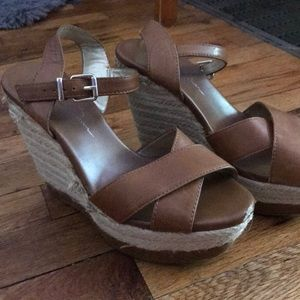 Jessica Simpson Wedges!
